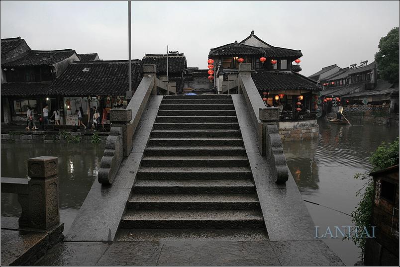 雨中西塘古镇