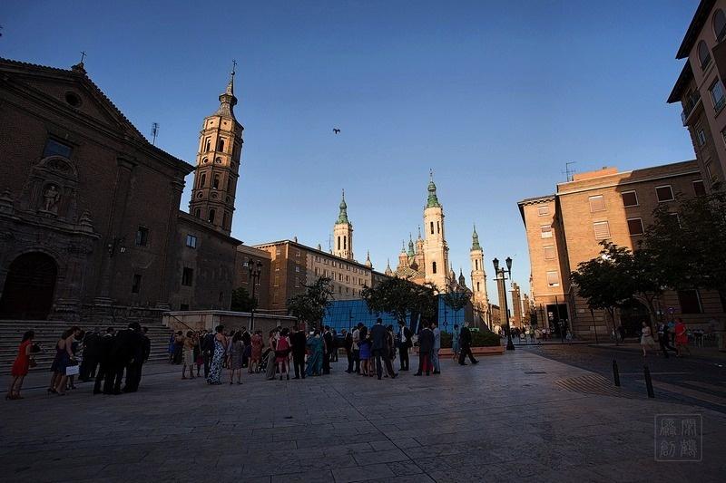 带孩子的婚纱照_掠影西班牙名城——萨拉戈萨-闲鹤之人-搜狐博客