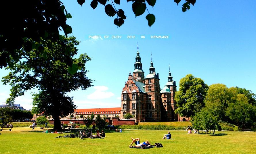 罗森堡宫,坐落在哥本哈根市北面的罗森堡公园(又称国王公园)里的树林图片