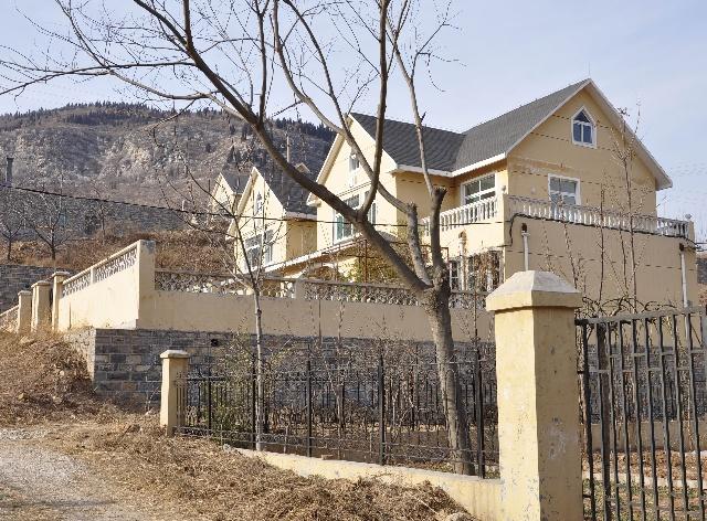 农村别墅铝合金封阳台图片