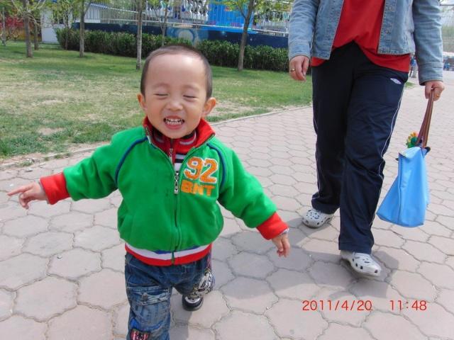 733---第二次去朝阳公园玩&去幼儿园交费了