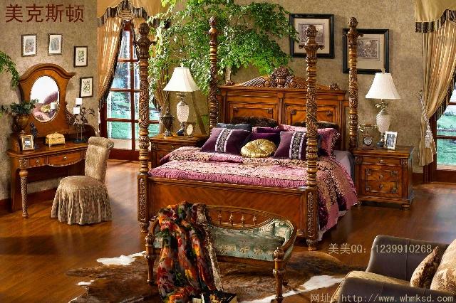 卧室饰品内容是可爱的小动物,婴儿或夫妻照片,人体艺术等,以爱和温馨