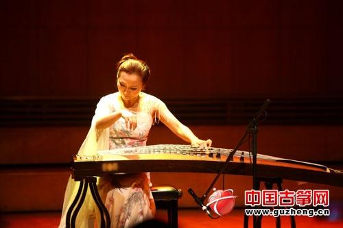 上海音乐学院民乐系主办,弘扬古筝,上海音乐学院敦煌乐团承办.