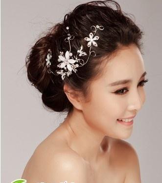 韩式新娘盘发 浪漫新娘发型