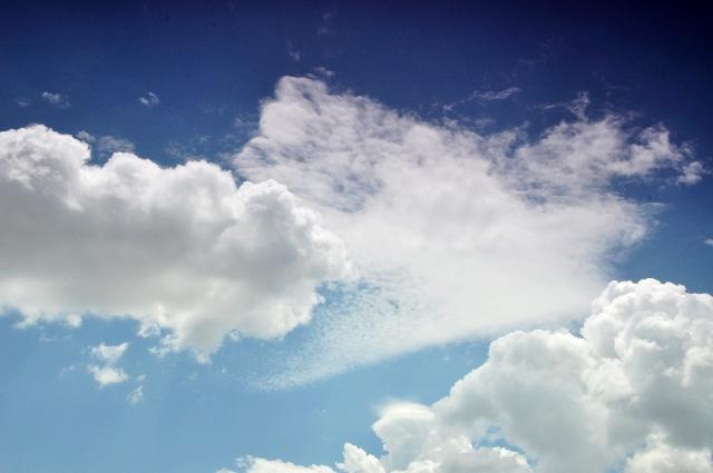 清新蓝天渐变背景素材
