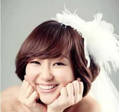 2012新看点最新韩式新娘发型设计图片