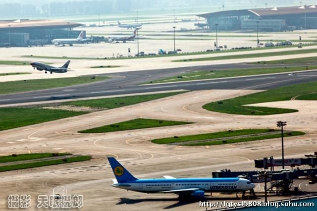 【天眼聚焦】从航管瞭望塔顶看首都机场-专业摄影师摄