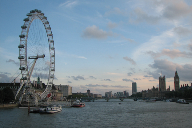 史最悠久规模最宏伟博物馆之一的大英博物馆,乘坐伦敦的老旧地铁游