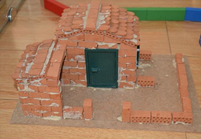 我自己来用砖头盖房子
