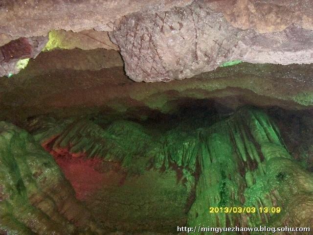 1000米的漂流,需要每人50元-山东地下大峡谷