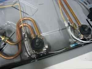 汽车天然气改装单点装置工作原理是利用发动机的负压将天高清图片